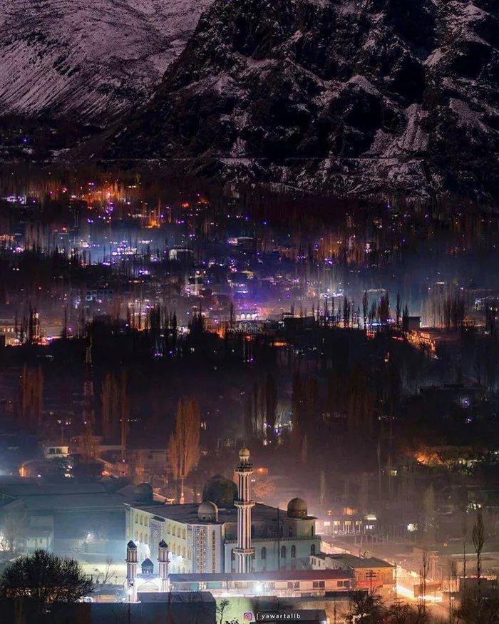 Skardu-Pakistan-at-night - ryuklemobi